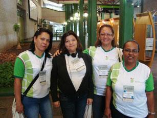 Ao centro, as congressistas e alunas Maria Ribeiro Barbosa e Maeve Miranda, respectivamente.
