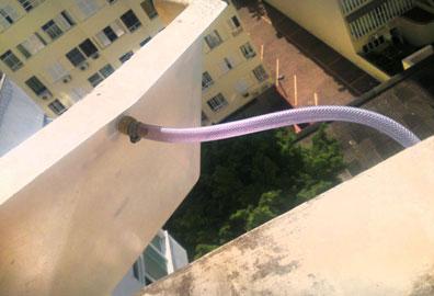 Bandeja coletora com dreno para ar condicionado janela