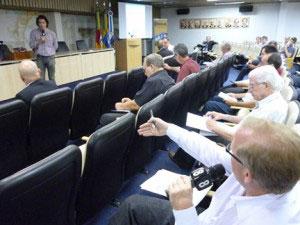 Engenheiros e profissionais da saúde se reúnem para debater a climatização de ambientes coletivos