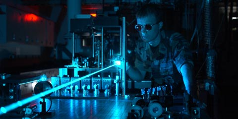 Military laser experiment - Crédito: Wikimedia