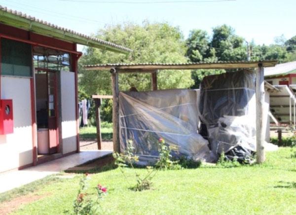 Sem estrutura elétrica, aparelhos estão parados em escolas catarinenses (créd: Correio Otaciliense)