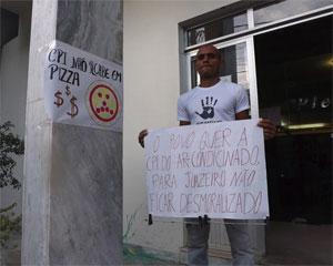 Manifestantes na Camara. Foto: Beto Fernandez