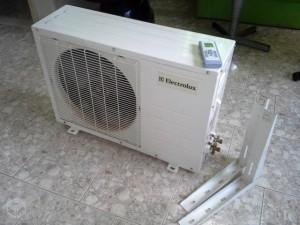 mudar o ar condicionado de lugar