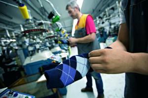 Empresa portuguesa lança meia com sistema de aquecimento para os pés