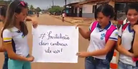 Alunos fecham rua para reivindicar falta de ar-condicionado em escola de Porto Velho