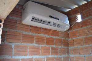 Casinha de cachorro com ar-condicionado em Tocantins, viraliza nas redes sociais