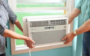 Instalação de ar-condicionado em janela de vidro