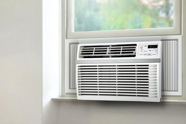 ar-condicionado-janela-em-janela-de-vidro-instalar