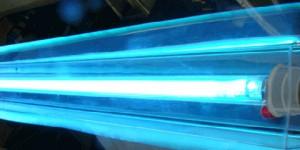 O uso de luz ultravioleta (UV) germicida em sistemas de ar condicionado