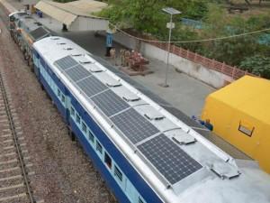 Energia para ventilação e iluminação dos trens na Índia é gerada pelo sol