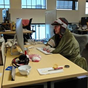 trabalhando no frio sem ar-condicionado