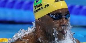 Competidores e torcedores passaram calor no Estádio Aquático