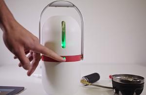 Estudante cria frigorífico portátil para salvar vidas