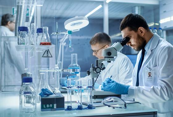 Por que o ar-condicionado é importante no laboratório?